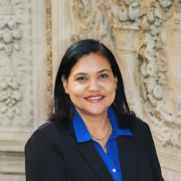 Photo of experienced immigration attorney Edilaine Telles