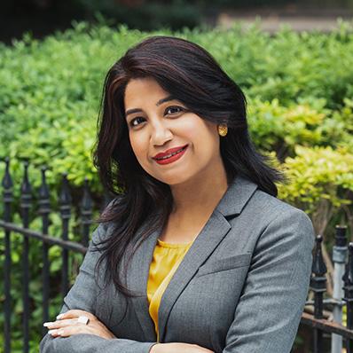 photo of experienced immigration senior attorney Sumita Arora